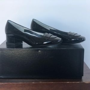 Dolce & Gabbana Black Patent Loafer - 35.5 - New